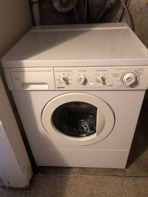 Kenmore White stackable Frontload large capacity Washer for Sale in Bonney Lake, WA