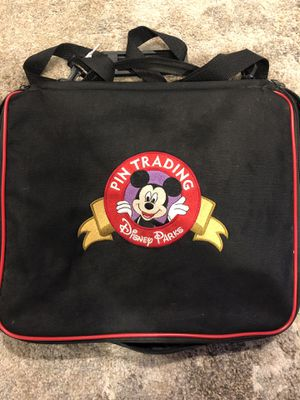 Disney pin collection with 3 limited editions and a Disney Trading pin bag included for Sale in Jamul, CA