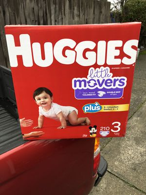 HUGGIES LITTLE MOVERS 210 DIAPERS SIZE 3 LARGE BOX for Sale in Tacoma, WA