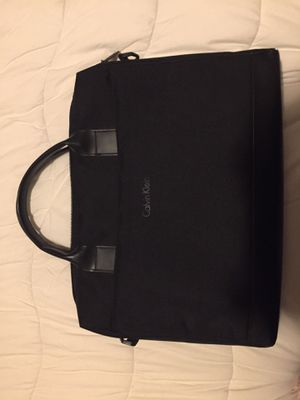 """15""""x12""""x2"""" leather Calvin Klein laptop bag for Sale in Providence, RI"""
