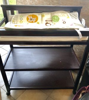 Baby Table Change and pad for Sale in Miami, FL