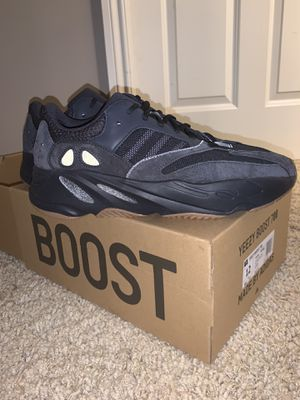 Yeezy Boost 700, size 12 utility black for Sale in Holly, MI