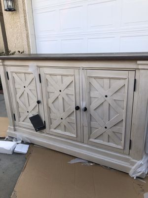 Brand new antique white sideboard server cabinet. Retails for over $1100 for Sale in Fowler, CA