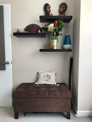 Floating shelves - set of 3 for Sale in Chicago, IL