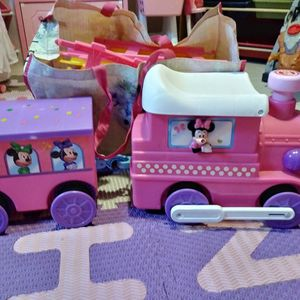 Minnie Train W/ Tracks for Sale in Antioch, CA