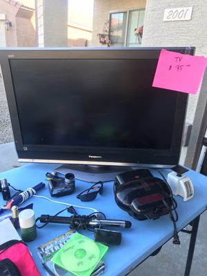 Panasonic 32in Tv (Not smart Tv) for Sale in Laveen Village, AZ