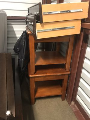 2 light brown side tables! Great condition for Sale in Carlstadt, NJ