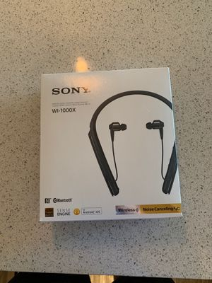 Sony WI-1000X noise canceling headphones for Sale in Las Vegas, NV