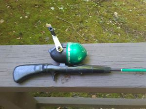 Vintage Shakespeare 200 Combo Sincrest 5ft. 6 in. Fishing pole. for Sale in Webster, NY