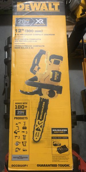 New DewAlt chainsaw included battery and charger DCCS620 P1 for Sale in Kissimmee, FL