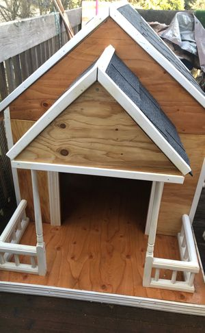 Outdoor Dog house for Sale in Seattle, WA