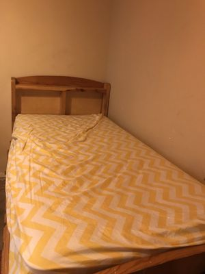 Twin Bed for Sale in Whittier, CA