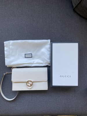 Authentic White Gucci Bag (Details Below) for Sale in Los Angeles, CA
