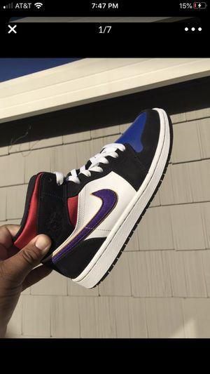 Air Jordan 1 Mid SE Lakers for Sale in Elk Grove, CA