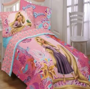 Rapunzel tangled twin/full comforter for Sale in Plantation, FL