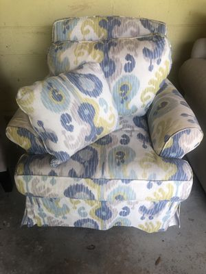 Multi colored arm chair!! for Sale in Pensacola, FL