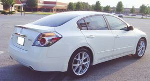 Runs good 2007 Nissan Altima Clean interior for Sale in Las Vegas, NV