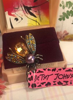 Betsey Johnson Sweet Insect Brooch Pink Purple Multi Colored Wings 2 inch Alloy New Great Gift for Sale in Macedonia,  OH