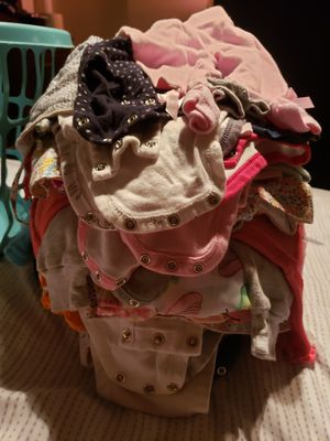 FREE BABYGIRL CLOTHES. for Sale in Fresno, CA