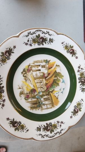 Ascot wood and sons collectible plate for Sale in Upland, CA