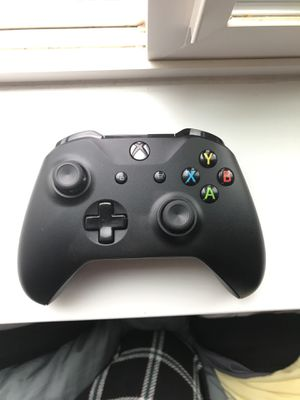 Xbox one x controller for Sale in Bend, OR