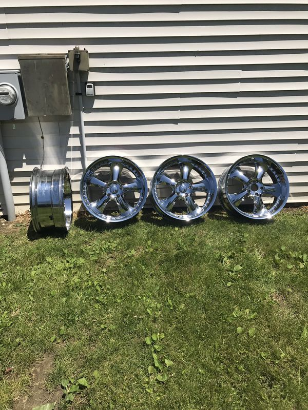 "KMC Chrome Rims 22""x9"""