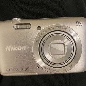 Nikon Cool pix S3700 for Sale in Salinas, CA