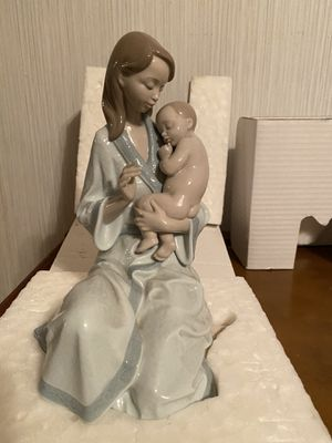 "Lladro ""Sleep My Love"" Figurine for Sale in Lakeland, FL"