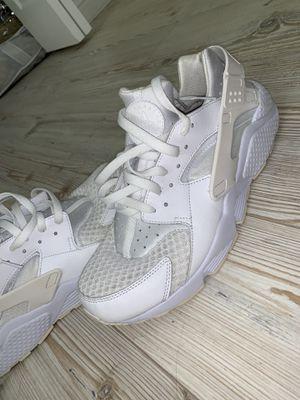 Nike Huarache Triple White for Sale in Miami, FL