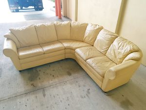Italian sectional couch for Sale in HALNDLE BCH, FL