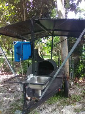 BBQ grill on wheels for Sale in Miami Gardens, FL