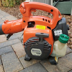 Leaf Blower Gas Powered Husqvarna 125B for Sale in Santa Rosa Beach, FL