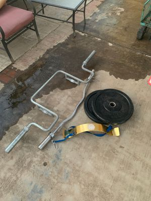 Weight equipment curl bar for Sale in Carson, CA