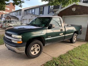 2002 Chevy Silverado for Sale in Elizabeth, NJ