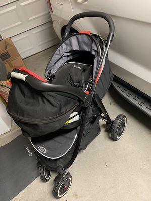 Garco two piece set( Car seat carrier+base and stroller) for Sale in Tracy, CA
