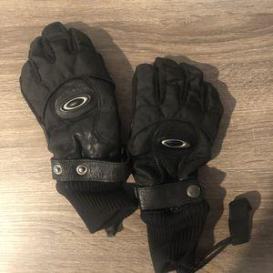 Oakley snow gloves for Sale in Rancho Santa Margarita, CA