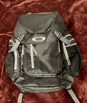 Oakley Backpack for Sale in Staten Island, NY