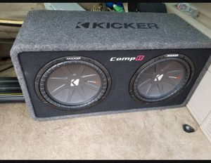 Kicker comp r 12s and kicker amp for Sale in Rolla, MO