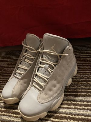 Jordan 13 wolf grey, 4.5 men/ 6.5 women for Sale in Fresno, CA