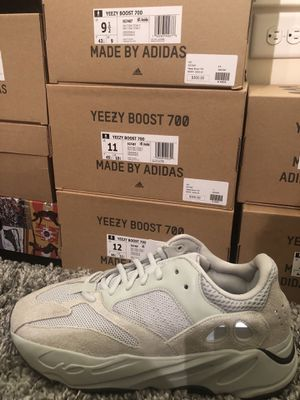 Adidas Yeezy 700 Salt for Sale in Alexandria, VA
