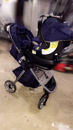 Eddie Bauer Stroller & Car Seat for Sale in Center Point, AL