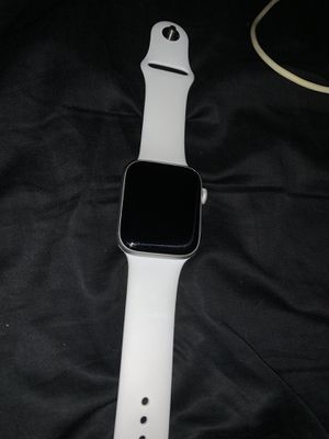 Apple Watch Series 4 44mm for Sale in Mukilteo, WA