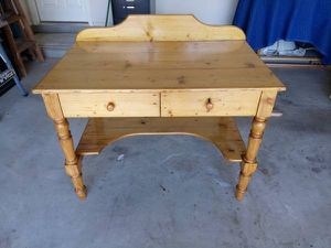 Pine Desk for Sale in Manor, TX