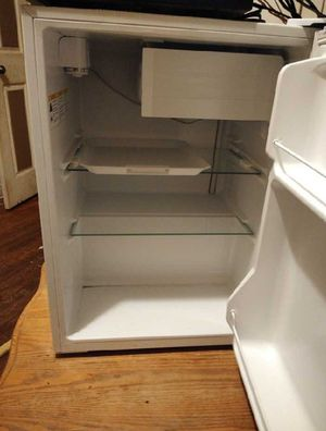Mini Haier Fridge for Sale in Grand Prairie, TX