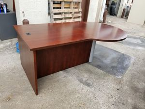 Executive office desk and credenza set $225 (good condition) for Sale in Houston, TX