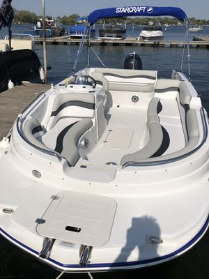19 foot , 2018 Starcraft Deck boat for Sale in Libertyville, IL
