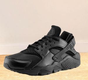 Nike Air Huarache sneakers womens joggers running shoes training Gently used Please see pic for the small rip, otherwise great condition. for Sale in Brooklyn, NY
