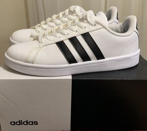 Womens Adidas Sz 9 for Sale in O'Fallon, IL