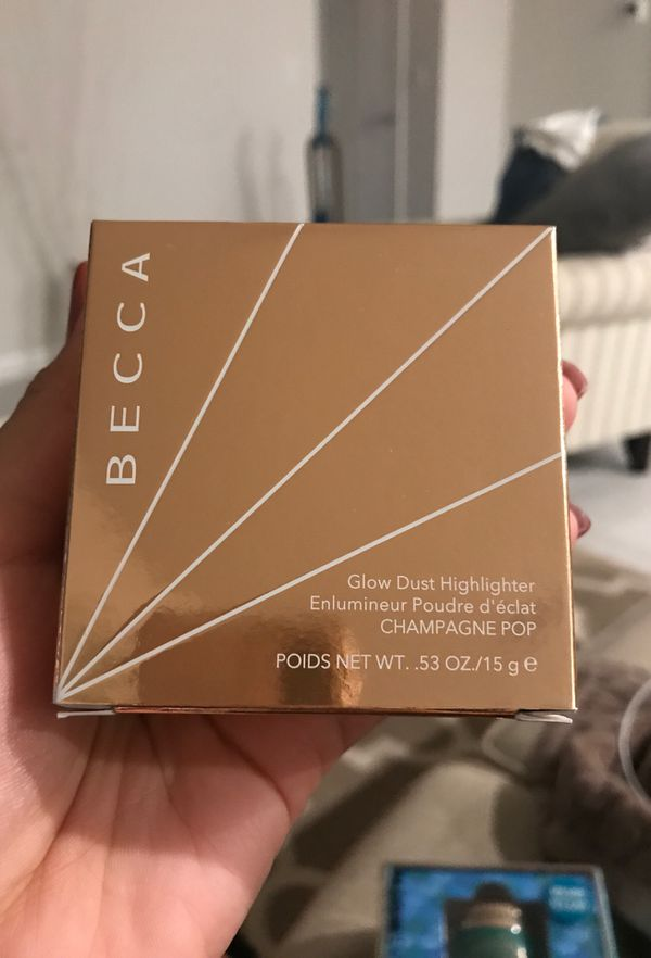 BECCA glow dust highlighter (Champagne Pop)