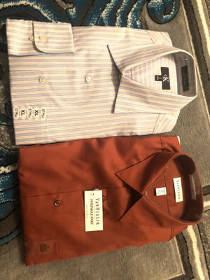 Two T-shirt one Calvin Klein anther one Van Heusen for men's size XL for Sale in Chula Vista, CA